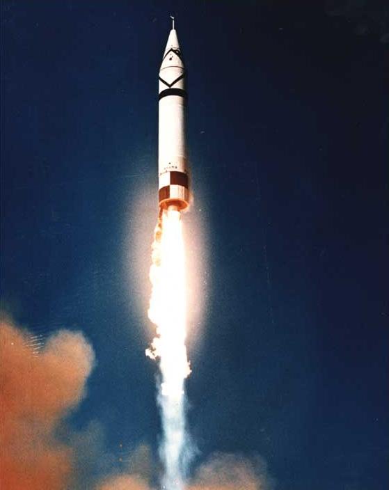 ミサイル 出典:ウィキペディア