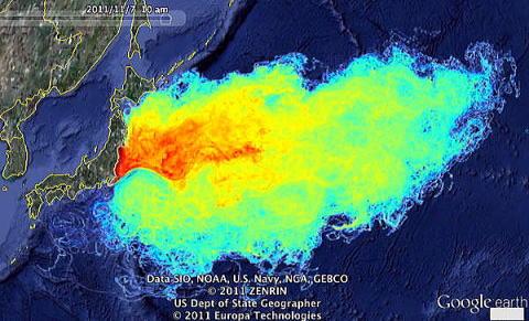 上図(福島原発事故による放射性物質の拡散)  出典: NOAA(米国国家海洋気象局)、US Navy(米国海軍)、GEBCO